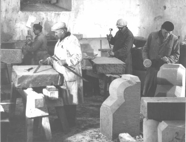 Kamenári počas rekonštrukcie