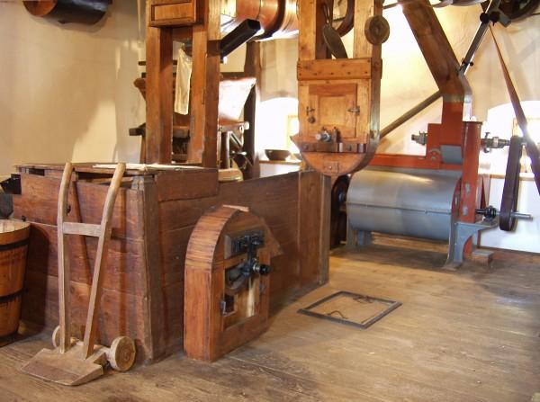 Foto |1-5|: Fotooodelenie SNG, Pohľad do interiéru mlyna