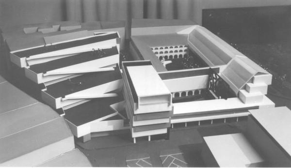 Vľavo nerealizovaná budova depozitára