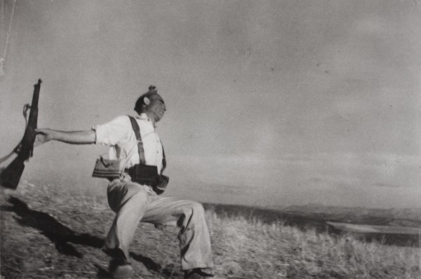 Robert Capa (1913 – 1954), The death of a Loyalist militaman. Near Cerro Muriano (Cordoba front).